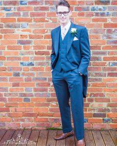11 Long Coat 3-Piece Blue Suit & Brown Shoes