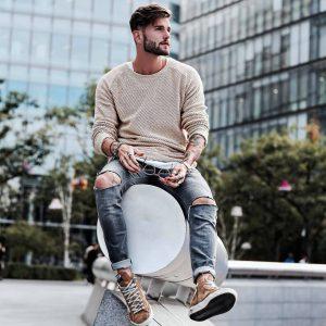 11 Sweatshirt and Jeans
