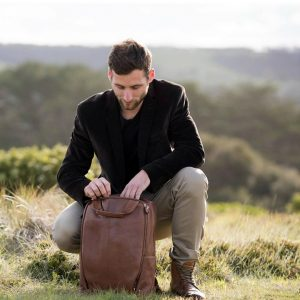 11 Vegetable Tanned Man Bag
