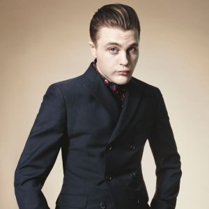 12 Slicked Back Gatsby With Tight Top