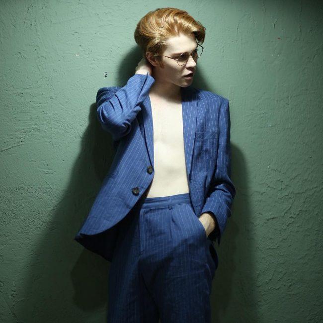 13-saggy-blue-striped-suit