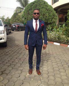 14 Dark Blue Slim-Fit Suit & Tan Brown Shoes