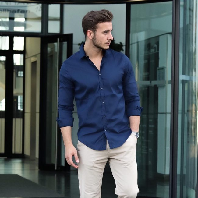 14 Fitting Blue Casual Shirt & Brown Trousers