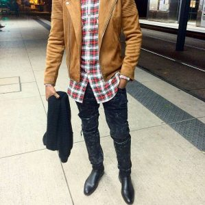 17-black-boot-brown-fitting-jacket