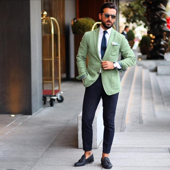 17-free-style-clashed-fitting-suit