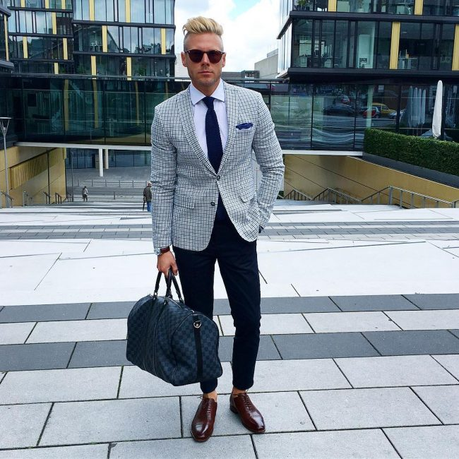18 Checkered Suit Style