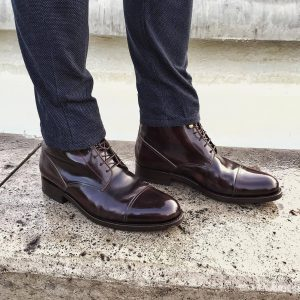 2 Masculine Boots with Cap Toe