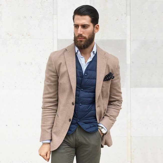 20-quilted-vest-with-khaki-pants