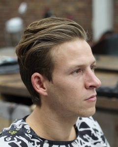 20-trimmed-relaxed-back-style