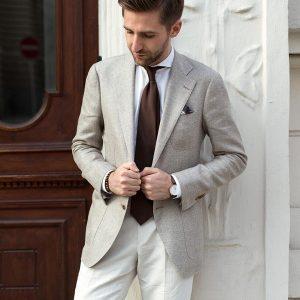 20 With Dark Brown Tie