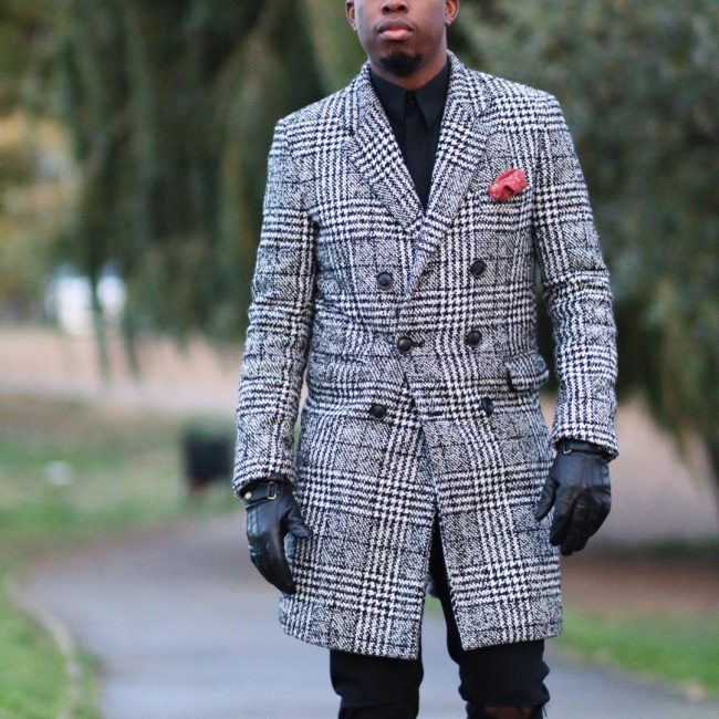 22 Checkered Grey Long Coat & Torn Slim Fit Black Jeans