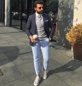 23-seersucker-sweater-with-blue-pants