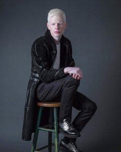 23 Stylish Black Glossy Outfit