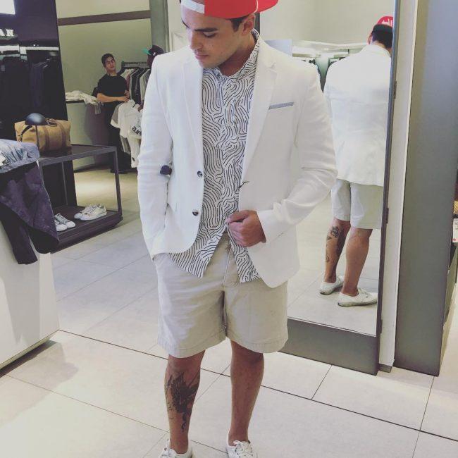 25 White Blazer with Cream White Short