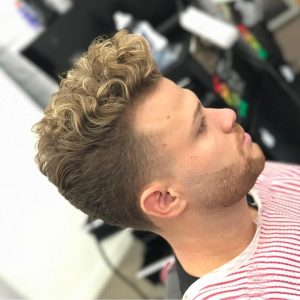 27 Golden highlight with curls
