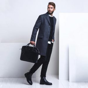 27-gray-camel-coat-with-black-bag