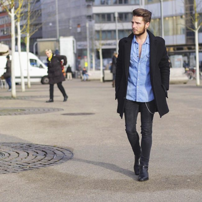 29 Black Skinny Jeans with Denim Shirt