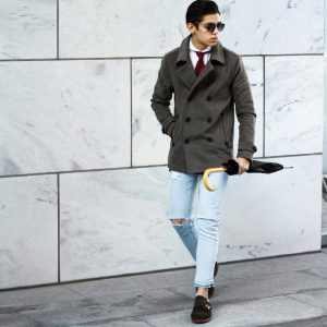 29-rugged-jeans-with-a-double-breasted-coat
