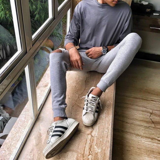 29 Torned Grey Joggers and Matched Training T-Shirt