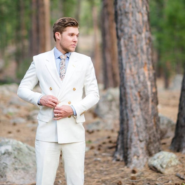 29 White Suit For A Wedding