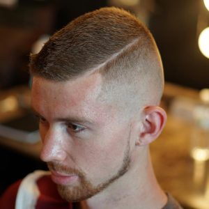 31-short-and-buzzed-with-straight-razor-line