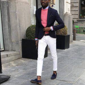 33-white-khaki-pants-with-pink-sweater