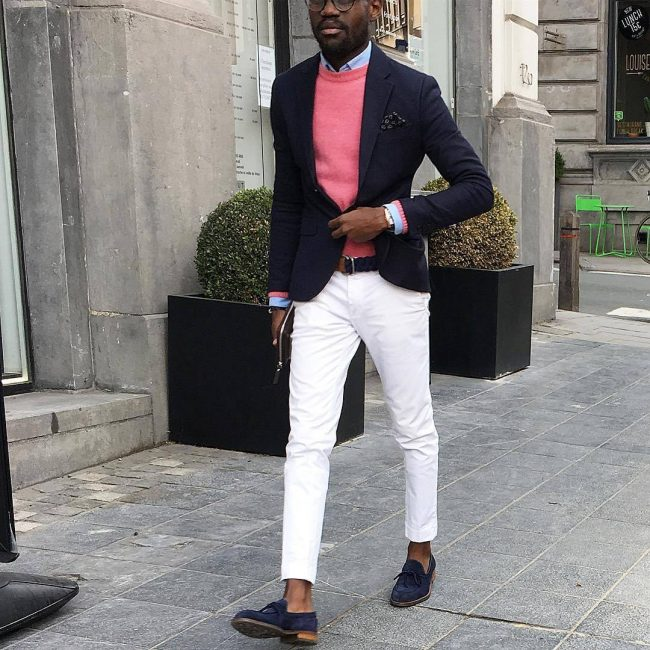 33-white-khaki-pants-with-pink-sweater
