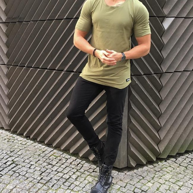 36 Black Casual Boots & Fitting Jungle Green T-Shirt