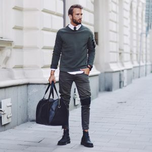 39-army-sweater-with-black-boots