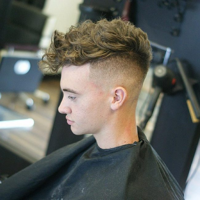 4-cool-haircut-for-curls
