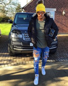4 Ripped Denims & Jacket Outfit