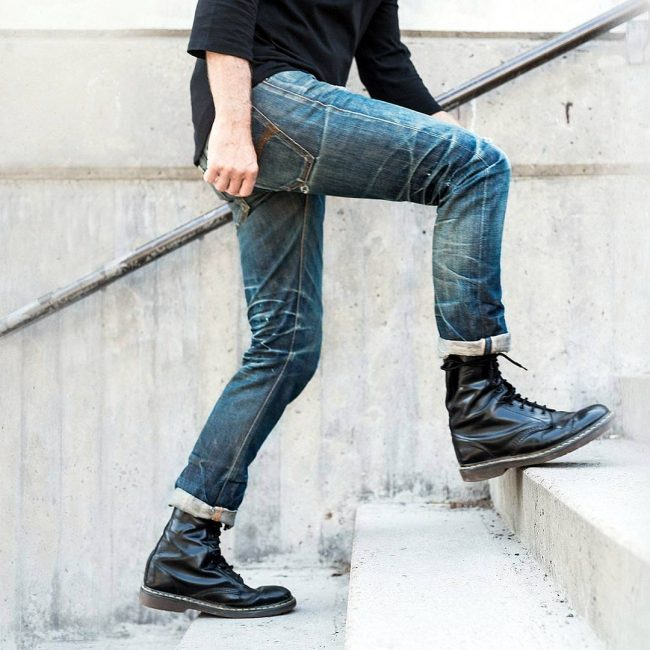 4 Selvage Pre-Washed Blue Jeans & Black Boots
