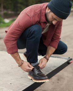 40 Dark Brown Casual Boots & Checkered Shirt