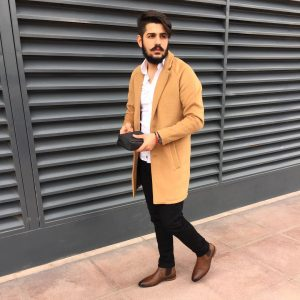 40-dark-brown-chelsea-boots-fitting-white-shirt