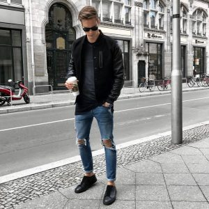 5 Ripped College Style