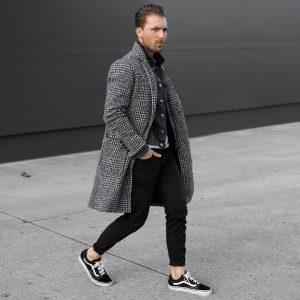 50 Black Skinny Jeans with Seersucker Overcoat