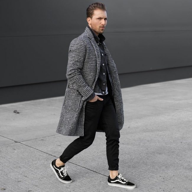 50 Black Skinny Jeans with Seersucker Overcoat