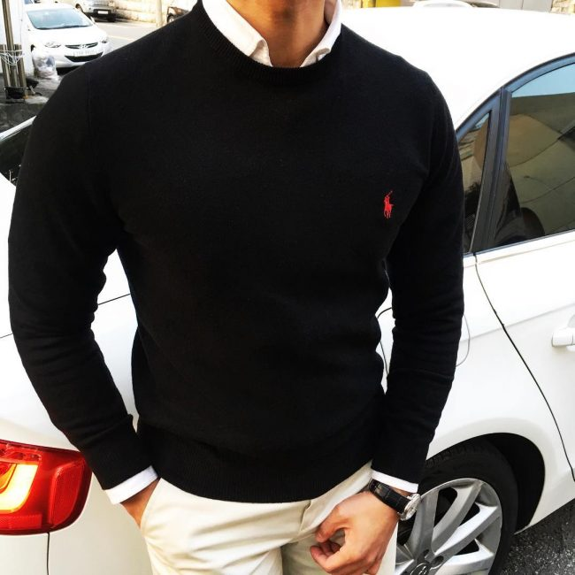 6-black-fitting-round-collar-sweater