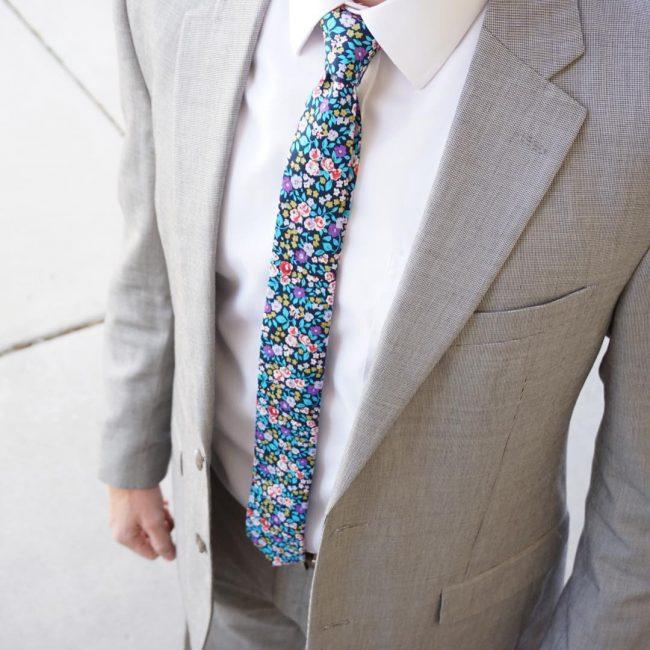 7 Blue Flowered Skinny Tie