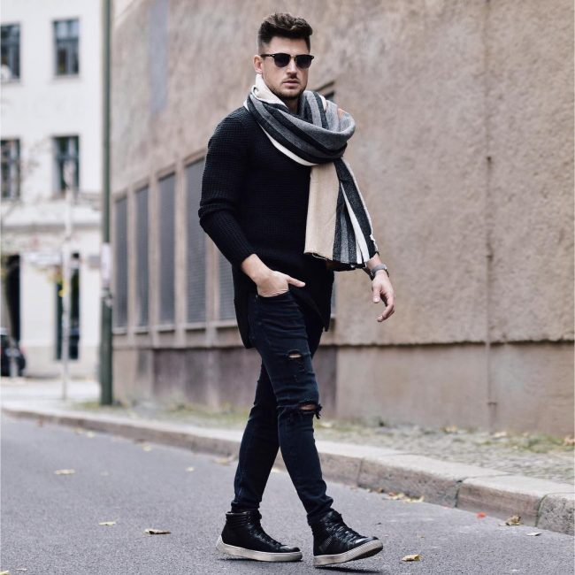 8 Black Rugged Skinny Jeans