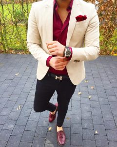 9-beige-fitting-coat-with-maroon-shoes