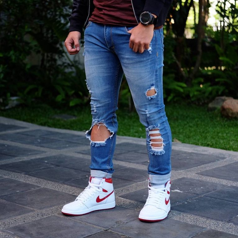 Ripped Jeans 44