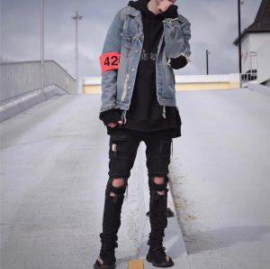 Ripped Jeans 49