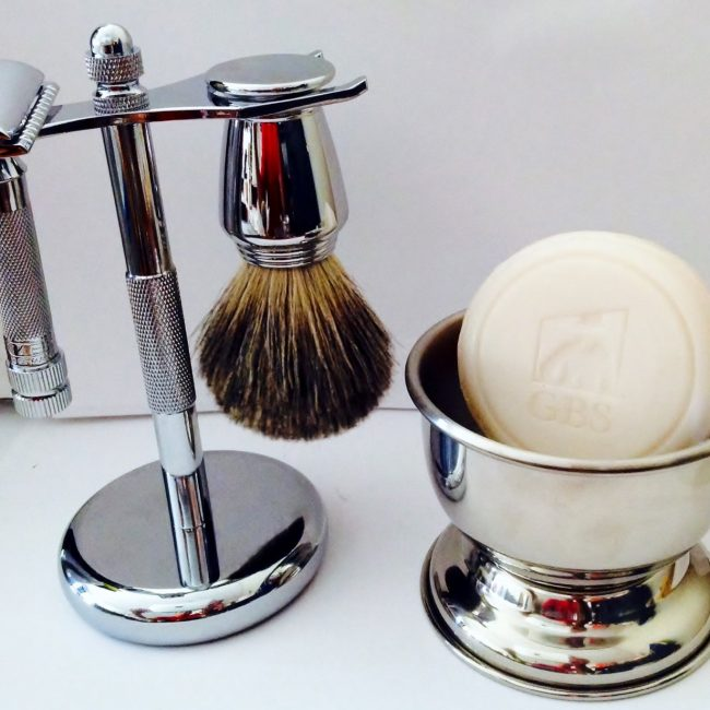 Shaving Gift Set with Merkur Safety Razor, Bowl, Shaving Soap, Badger Brush, Stand and Safety Razor