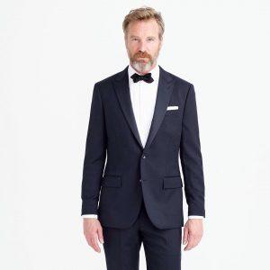 Tuxedo-vs-Suit-1