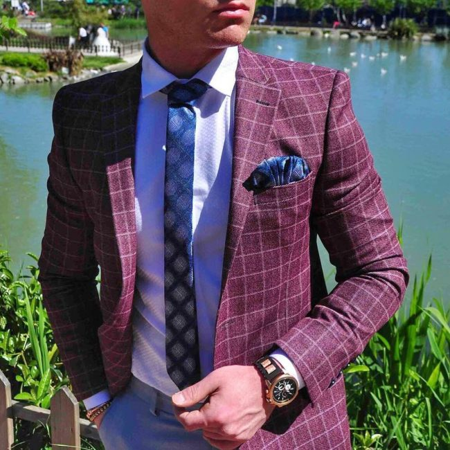 ccb307d6e 40 Eye-Catching Maroon Suits That You Should Wear This Year
