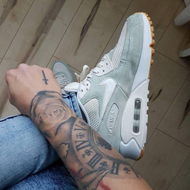 11 Nike Air Max 90 Premium Sneakers