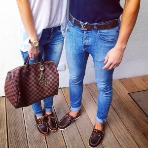 11 Skinny Jeans and Classic Boat Shoes Combo