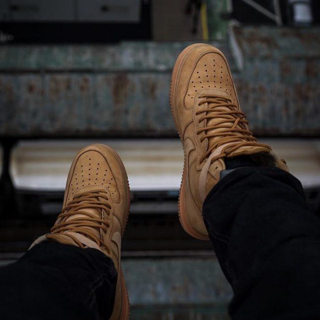 11 Sweet Brown Kicks