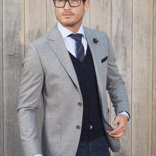 25 Best Ways to Style Grey Blazer - Hot Combinations for Modern Men